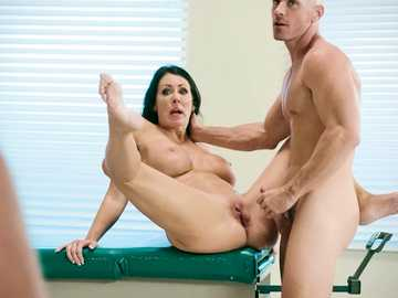 Reagan Foxx gets her bald pussy injected with the jizz of muscular man Johnny Sins
