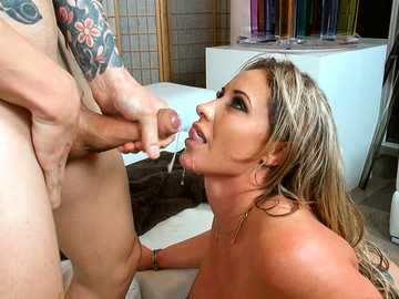 Alex Legend wants to rent apartment but he should fuck landlady Eva Notty first