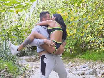 Juicy Ass Canela Skin Does Anal In The Park
